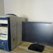 Desktop computer and screen for sale